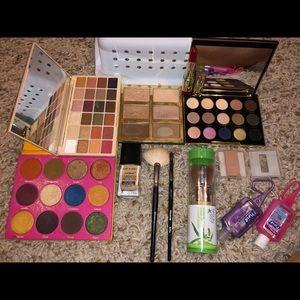 tarte Makeup - MAKEUP BUNDLE!! Make me offers - Bundle Only